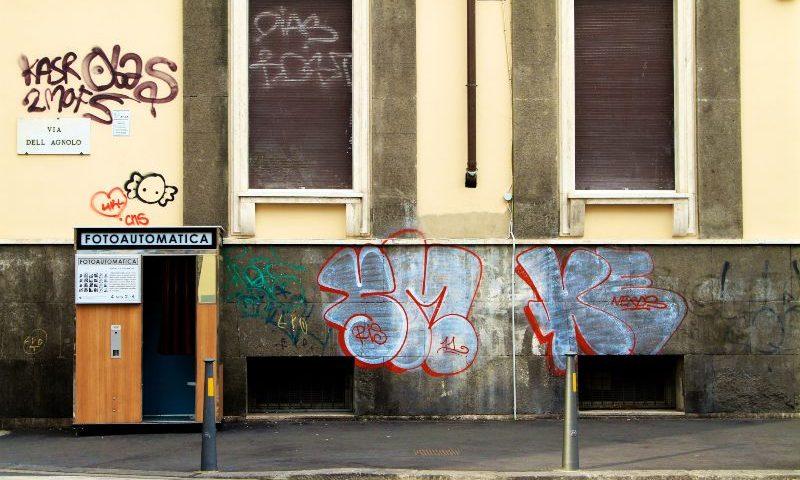 limpiar graffitis en piedras